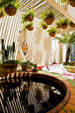 Projekty,  Ogród zaprojektowane przez CARMELLO ARQUITETURA