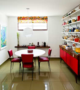 Cocinas de estilo moderno por CARMELLO ARQUITETURA