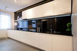 Realizacja projektu mieszkania 54 m2 w Krakowie: styl , w kategorii Kuchnia zaprojektowany przez Lidia Sarad