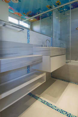 modern Bathroom by Estudio Sespede Arquitectos