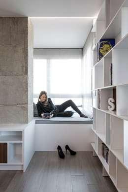 Salas / recibidores de estilo minimalista por LLIBERÓS SALVADOR Arquitectos