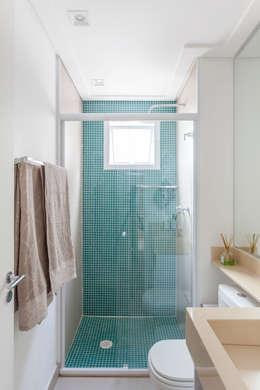Projeto 1 : Banheiros minimalistas por MARCY RICCIARDI ARQUITETURA E INTERIORES