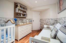 Apartamento Chácara Klabin (SP): Quarto infantil  por Amanda Pinheiro Design de interiores