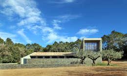 Casa S1: Casas de estilo rural de bellafilarquitectes