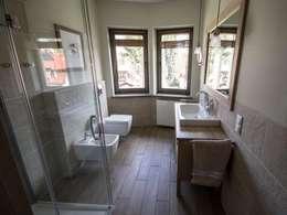 Dom w Polanicy: styl , w kategorii Łazienka zaprojektowany przez ASA Autorskie Studio Architektury