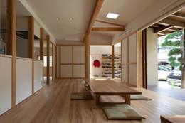 Phòng khách by 田中ナオミアトリエ