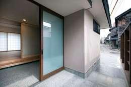 Casas de estilo escandinavo por 家山真建築研究室 Makoto Ieyama Architect Office