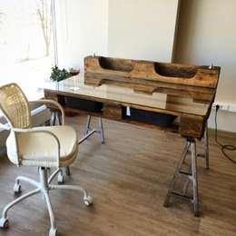 Офисный стол из паллет (поддонов): Офисные помещения и магазины в . Автор – WoodMorning!_pallet joinery