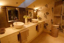 Decoración interior de duplex acogedor, Sube Susaeta Interiorismo - Sube Contract: Baños de estilo clásico de Sube Susaeta Interiorismo