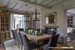 Salas de jantar modernas por MARIANGEL COGHLAN