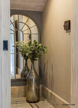Pasillo: Pasillos y recibidores de estilo  por MARIANGEL COGHLAN