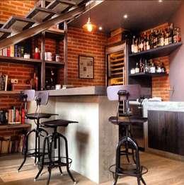 Barra y Bar: Salas de estilo moderno por Quinto Distrito Arquitectura