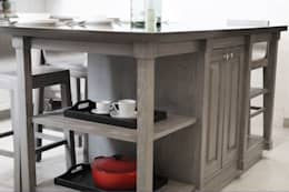 Isla de cocina: Cocinas de estilo moderno por Quinto Distrito Arquitectura