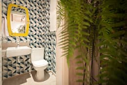 Baños de estilo  por Amis Arquitetura & Design