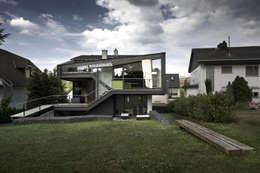Casas de estilo moderno por reinhardtjung