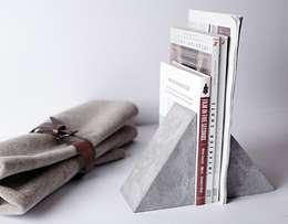 Lofthing – Üçgen beton kitap tutacağı:  tarz İç Dekorasyon