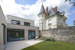 Maison M. G: Terrasse de style  par Studio SD