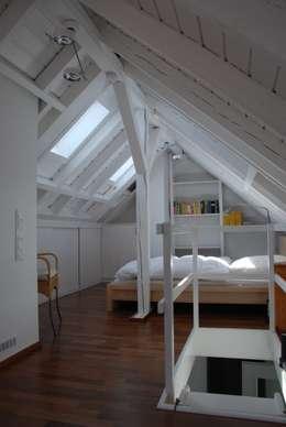 SIMONE JÜSCHKE INNEN ARCHITEKTUR: modern tarz Yatak Odası