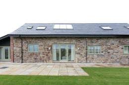 SDA Architecture Ltd: kırsal tarz tarz Evler