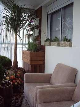 Um convite para o descanso: Varanda, alpendre e terraço  por Amaria Gonçalves - Design Paisagismo