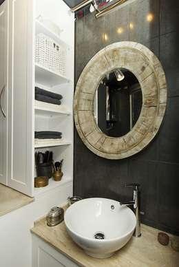 Небольшая московская квартира: Ванная комната в . Автор – Irina Tatarnikova