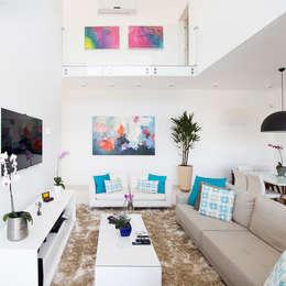Salas / recibidores de estilo moderno por SAA_SHIEH ARQUITETOS ASSOCIADOS