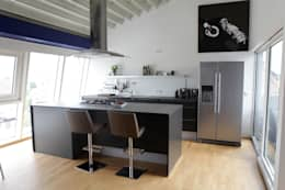 minimalistic Kitchen by daha//homestaing redesign fotostyling