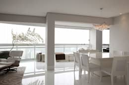 Top House SP: Salas de jantar minimalistas por Cristina Menezes Arquitetura