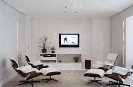 modern Media room by Cristina Menezes Arquitetura