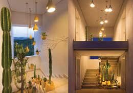 Centros de exhibiciones de estilo  por Ateliê de Cerâmica - Flavia Soares