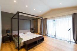 GoodLife Park дом №2: Спальни в . Автор – TSEH Architectural Group