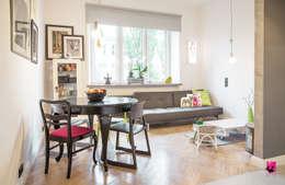 Salon z aneksem kuchennym: styl , w kategorii Salon zaprojektowany przez Pink Pug Design Interior