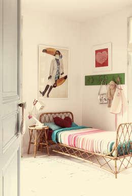 Maud et Gabriel: Chambre d'enfant de style de style Moderne par Ludlow Interior