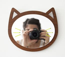 Miroir CHAT: Chambre de style de style eclectique par LES PETITES DECOUPES