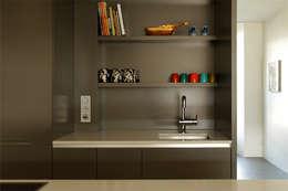 Home # 3: moderne Keuken door VEVS Interior Design