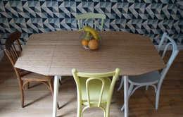 COCON VINTAGE: Salle à manger de style de style Moderne par Agence Laurent Cayron