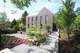 Projekty, klasyczne Domy zaprojektowane przez Neugebauer Architekten BDA