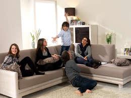 mediterranean Living room by Rattania GmbH
