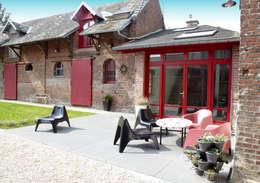 entrée de la maison revisitée: Jardin de style de style Moderne par Emilie Bigorne, architecte d'intérieur CFAI