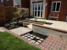 modern Garden by carol whitehead garden design