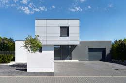 Projekty, nowoczesne Domy zaprojektowane przez Fachwerk4 | Architekten BDA