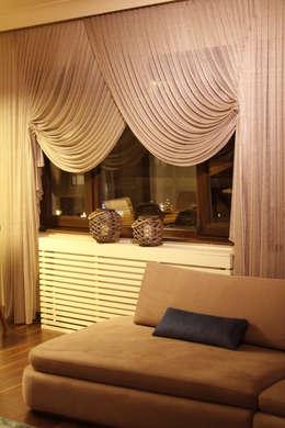 Projekty, nowoczesne Okna i drzwi zaprojektowane przez Gizem ONURMEN ARCHITECTS
