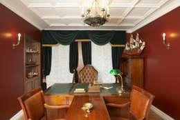 Офис в старинном московском особняке: Рабочий кабинет  в . Автор – Irina Tatarnikova