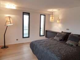 minimalistic Bedroom by Emilie Bigorne, architecte d'intérieur CFAI