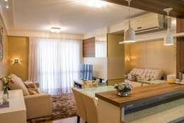 Apartamento Grécia: Salas de jantar modernas por Camila Chalon Arquitetura