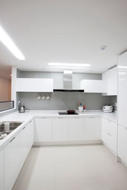 modern Kitchen by MID 먹줄