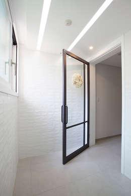 Corridor & hallway by MID 먹줄