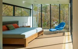 modern Bedroom by Robert Gurney Architect