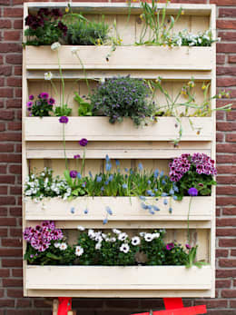 Balconies, verandas & terraces  تنفيذ Pop up Pallets