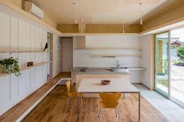 ห้องนั่งเล่น by 矢内建築計画 一級建築士事務所